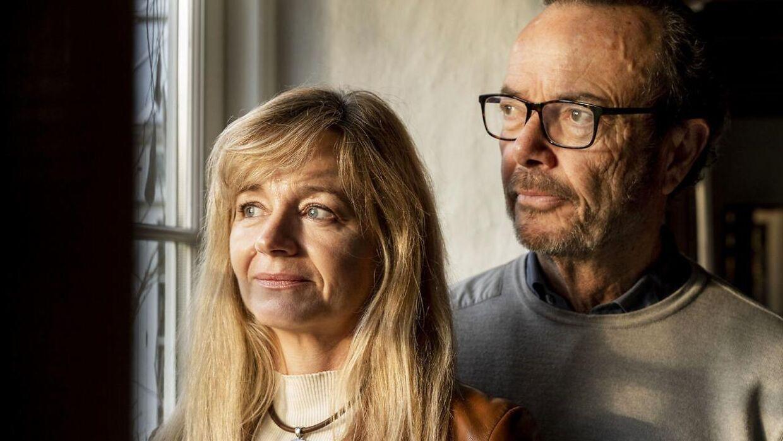 Peter Forchhammer med sin kone Maibritt. Parret måtte sælge en del af deres have for at redde huset, efter han gik konkurs.