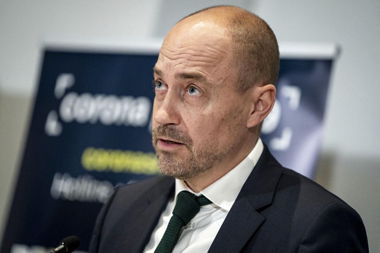 Sundheds- og ældreminister Magnus Heunicke møder hård kritik fra både de Radikale, Enhedslisten og Lægeforeningen, fordi udenlandske læger skal vente flere år på sagsbehandling, før de kan få lov til at arbejde som læge i Danmark.