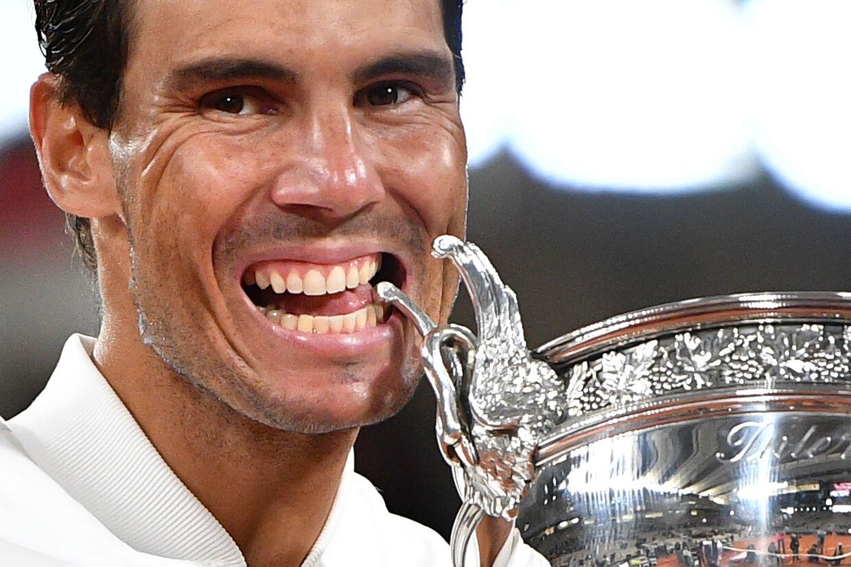 Rafael Nadal tangerede søndag Rogers Federers 20 grand slam-titler med sejren i Paris. Anne-Christine Poujoulat/Ritzau Scanpix