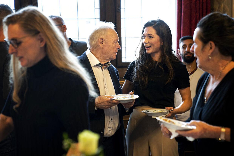 Mogens Palle og Sarah Mafoud. Bokseren Sarah Mahfoud hyldes på Københavns Rådhus torsdag den 6. februar 2020. Sarah Mahfoud vandt lørdag IBF VM-bæltet i fjervægt.. (Foto: Ida Guldbæk Arentsen/Ritzau Scanpix)