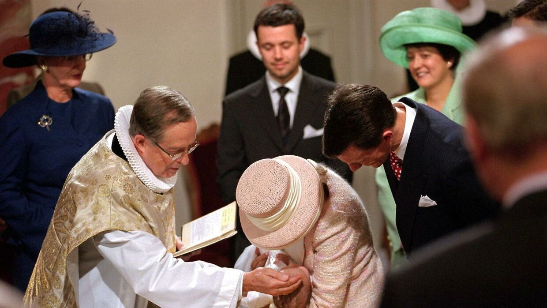 Kongelig konfessionarius Christian Thodberg døbte 6. november 1999 prins Joachims og daværende prinsesse Alexandras dengang ti uger gamle søn, Nikolai William Alexander Frederik.