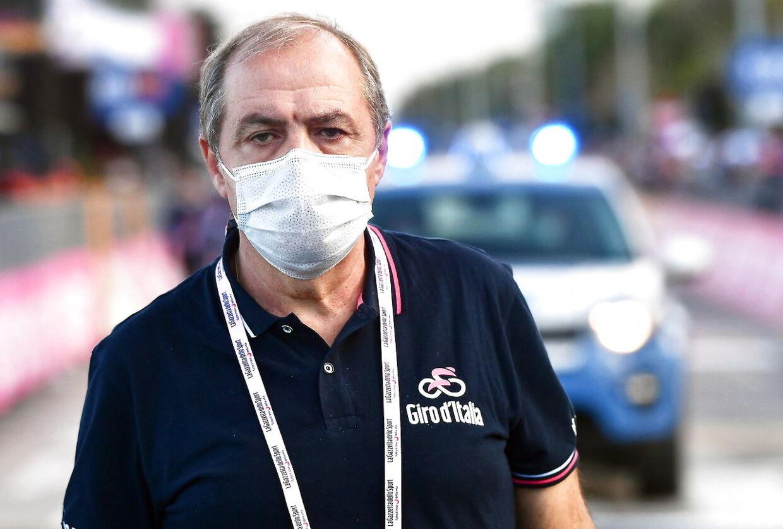 Løbsdirektør Mauro Vegni har fået travlt efter de mange corona-tilfælde ved Giro d'Italia.
