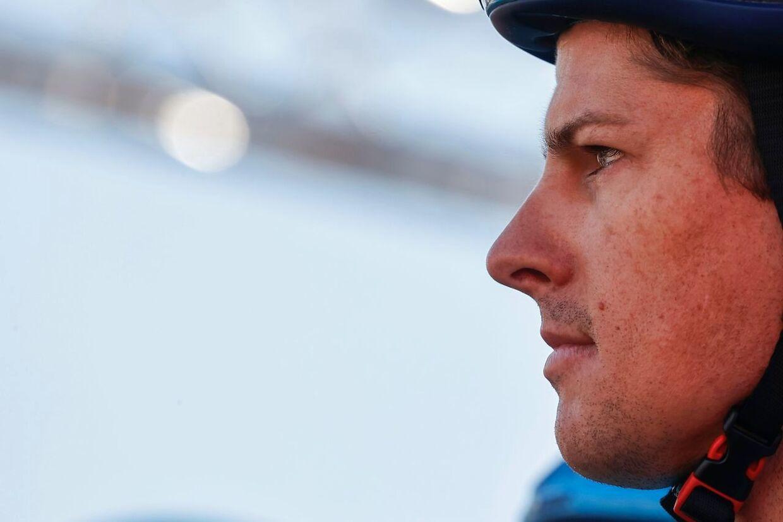 Jakob Fuglsang skal søndag forsøge at hente tid på Giroens hidtil hårdeste bjergetape