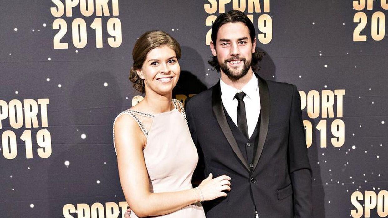 Lotte Friis og kæresten Christoffer Schnack Ringø kan nu kalde sig for ægtefolk.
