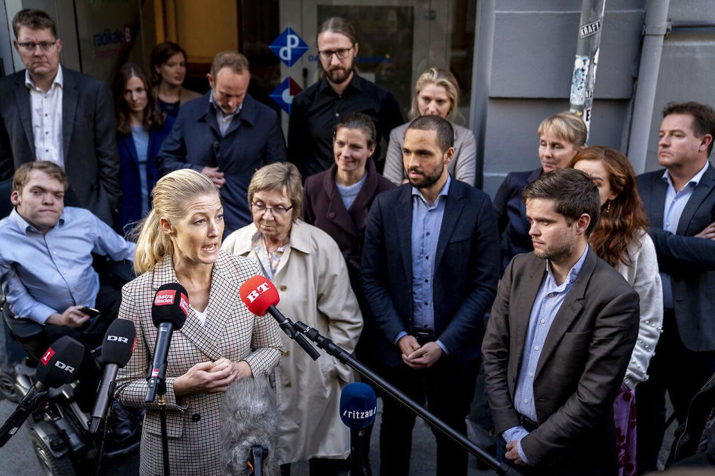 Hele den radikale folketingsgruppe holdt søndag eftermiddag krisemøde i Hovedstadens Radikale Vælgerforening i København. Mødet varede ca. tre timer (Foto: Mads Claus Rasmussen/Ritzau Scanpix)