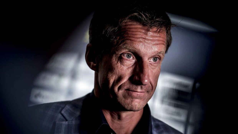Troels Bech var ikke glad for at få spørgsmålet, om han er interesseret i et job i FCK.