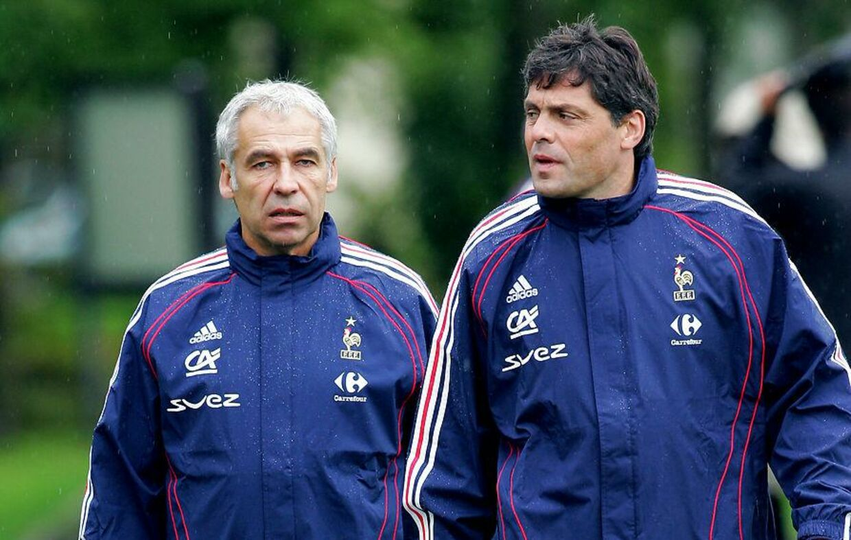 Bruno Martini til højre, da han var målmandstræner for det franske landshold i 2008.