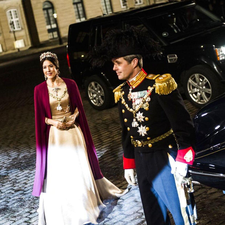 Kronprinsesse Mary og kronprins Frederik ved en tidligere nytårstaffel.