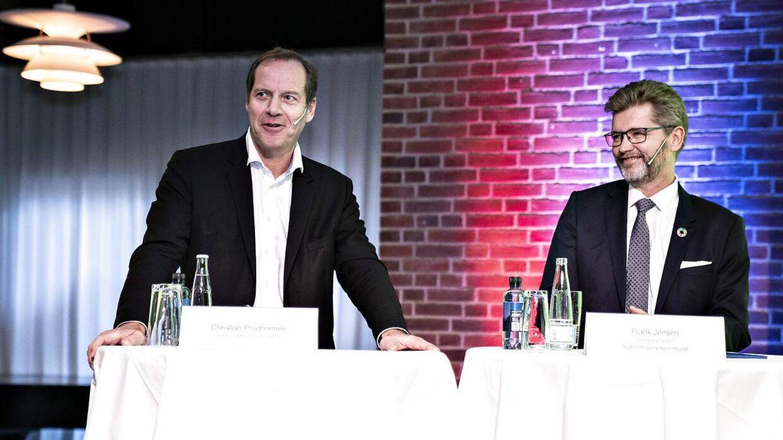 Frank Jensen er ikke længere formand for selskabet bag den danske Tour de France-start i 2022. Her ses han til pressemøde sammen med Tour de France-løbsdirektør Christian Prudhomme.