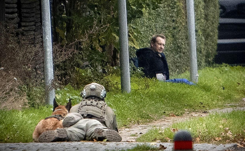 Politiaktion i Albertslund tirsdag 20. oktober 2020. Politiet har anholdt en person i sag om forsøg på fangeflugt. Personen er den drabsdømte Peter Madsen. Albertslund, tirsdag 20. oktober 2020.