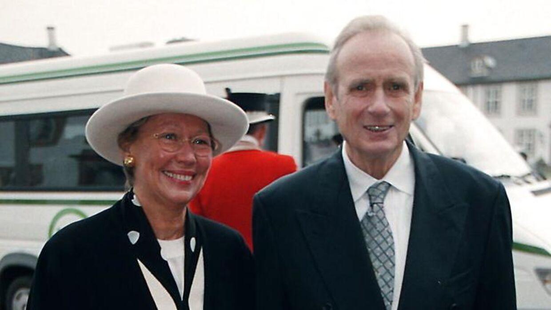 Karl Toosbuy deltog med sin kone Birte i prins Nikolais barnedåb på Fredensborg Slot i 1999.