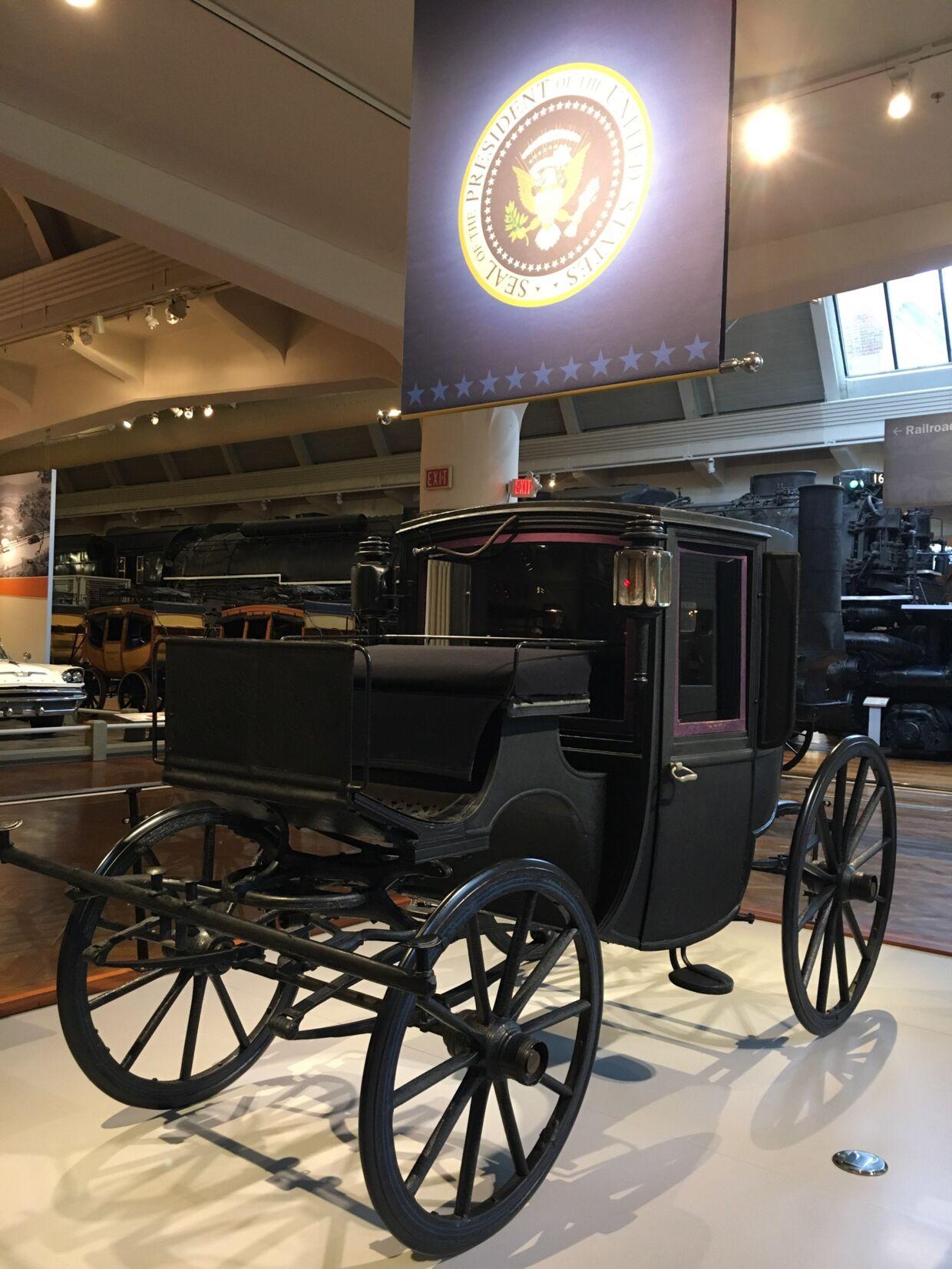 Præsident Theodore Roosevelt havde ikke meget tiltro til de her nymodens automobiler. Derfor foretrak han at køre rundt i denne Brougham-karet fra 1902.
