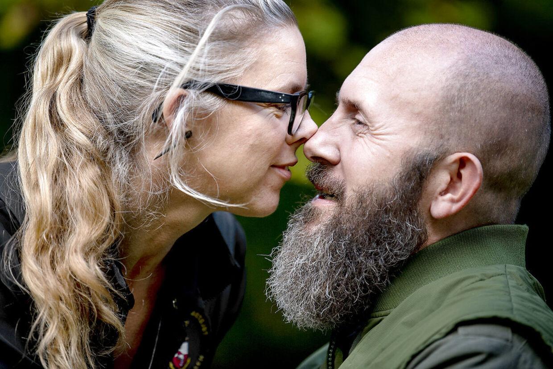 Kærligheden mellem de to naturfotografer er bestemt ikke blevet mindre efter overfaldet.