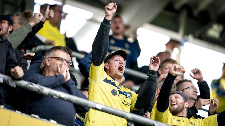 Brøndbys fans køber billetter uden at kunne se kampen mod Midtjylland.