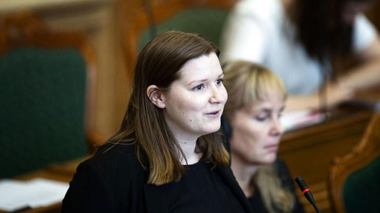 Ina Strøjer-Schmidt har i løbet af det sidste år, hvor hun har siddet i Folketinget, stillet betydeligt færre politiske spørgsmål og deltaget i færre afstemninger end sine andre nyvalgte kollegaer.