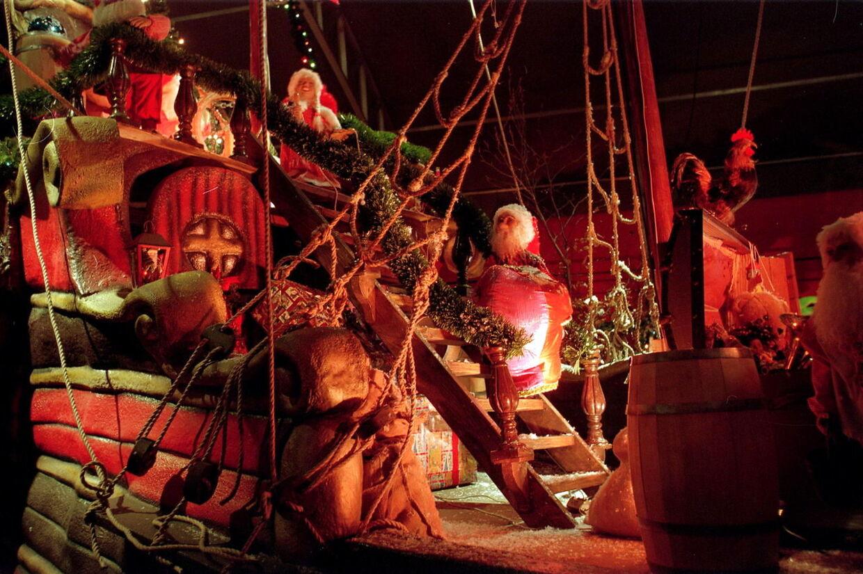 Gisseld Klosters juletorv er i år aflyst, hvilket er til stor ærgelse for Jens Risom, som er direktør for Gisseld Kloster. Omvendt må Tivoli Julemarked have flere tusinde gæster, men de kun må have 10 i Haslev. Billede er fra Tivolis julemarked.