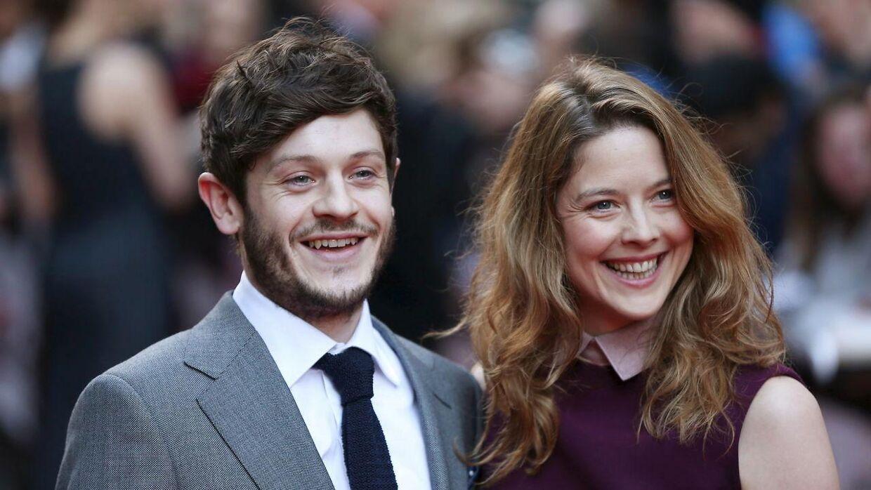 Iwan Rheon ses her med sin kone Zoe Grisedale ved Empire Film Awards i London.