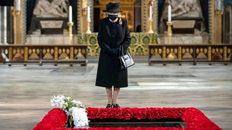 Dronning Elizabeth i Westminster Abbey.