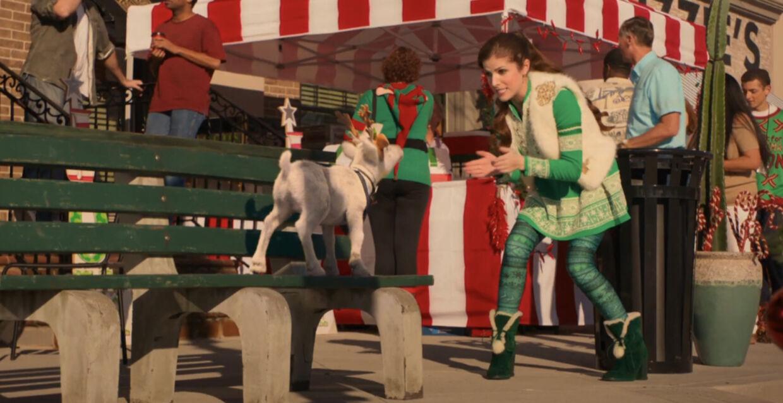 Anna Kendric spiller julemandens datter, som må overtage hvervet, da hendes far - Julemanden - går på pension og hendes bror, der eller skulle have overtaget, får kolde fødder.