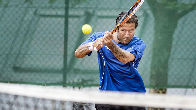 Frederik Fetterlein er tidligere professionel tennisspiller, men tjener i dag hovedsageligt sine penge som tennistræner og som deltager i diverse tv-programmer.