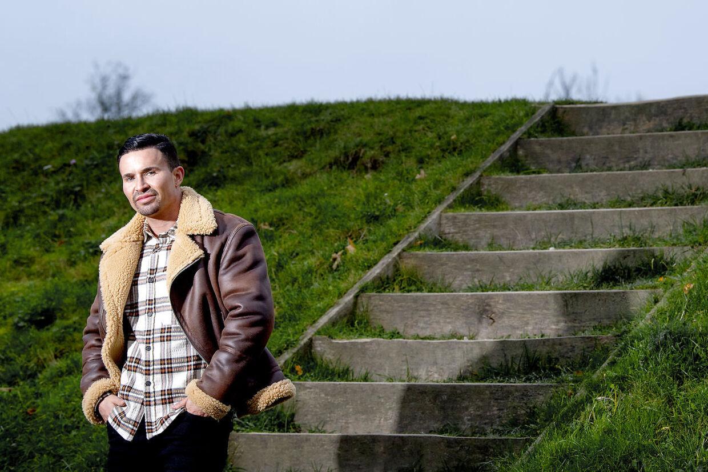 30-årige Gustav Salinas føler, at han endelig har fundet den rette hylde i tilværelsen.