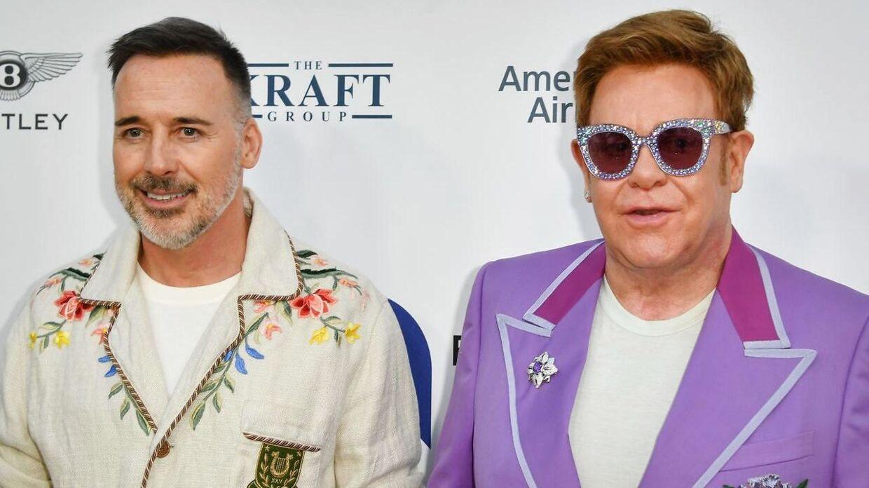 Elton John med sin ægtemand, David Furnish.