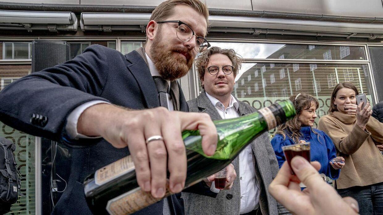 Frederik Cilius og Rasmus Bruun fotograferet i forbindelse med lukningen af Radio24syv.