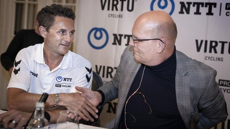 Team NTT-holdejer Douglas Ryder lukkede i januar 2020 Bjarne Riis ind på holdet for at sikre det økonomiske fundament. Det lykkedes dog ikke Bjarne Riis at finde sponsorer, og nu er han igen ude af projektet.