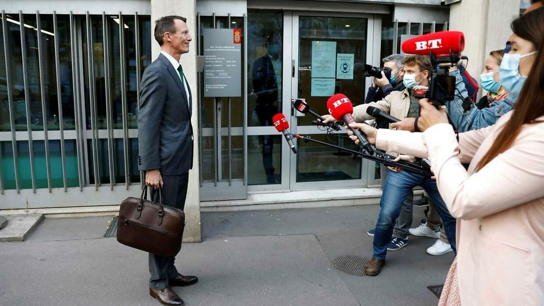 Prins Joachim, da han mødte pressen på sin første arbejdsdag på den franske ambassade 18. september.