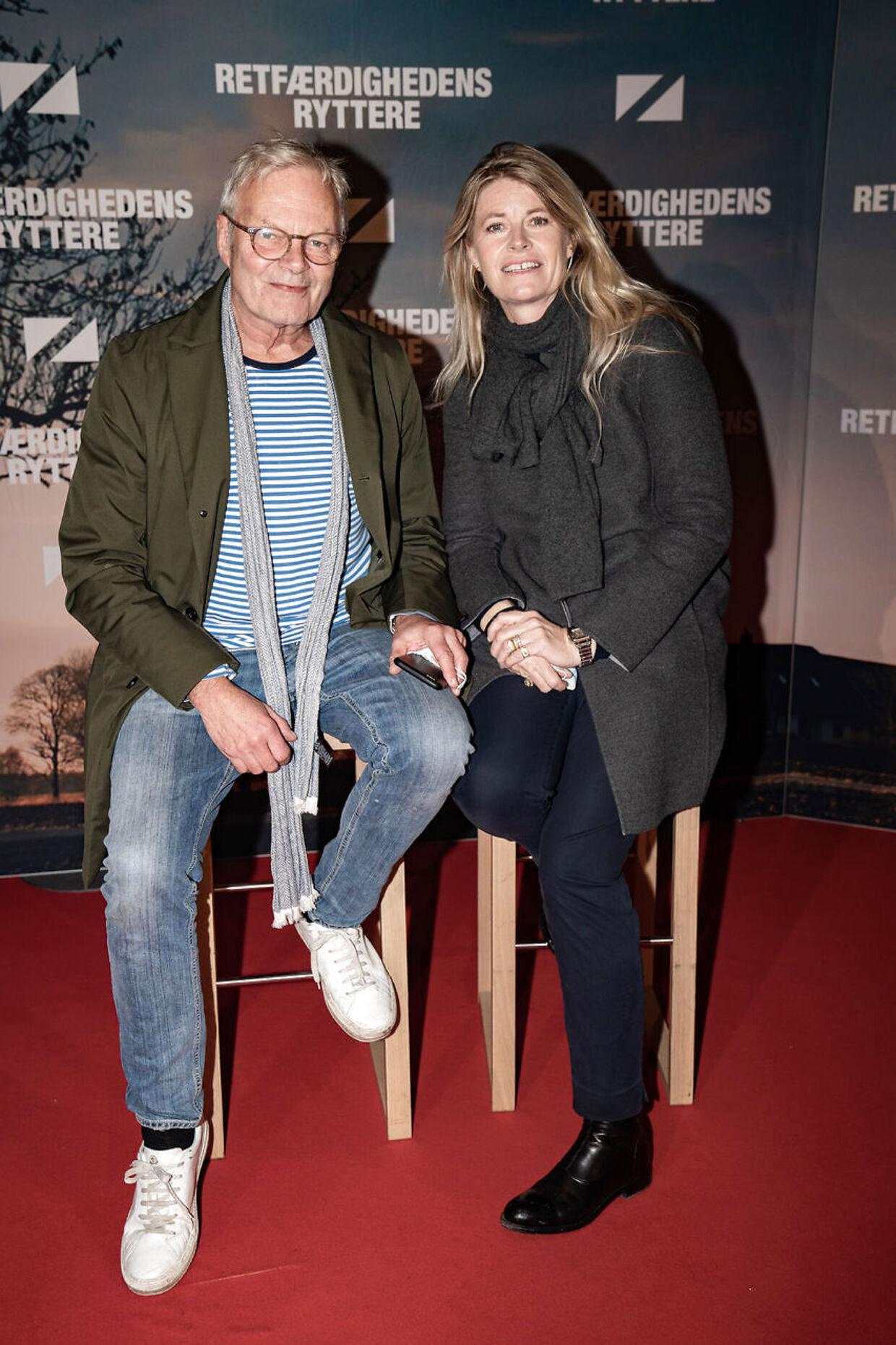 Jarl Friis Mikkelsen og Susanne Pehrsson til gallapremieren på komedien 'Retfærdighedens ryttere' i Imperial i København onsdag den 18. november 2020. Foto: Emil Helms/Ritzau Scanpix.