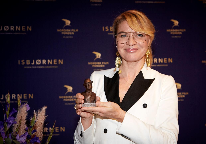 Den 46-årige Rita-stjerne Mille Dinesen med den fornemme Ove Sprogøe Pris.