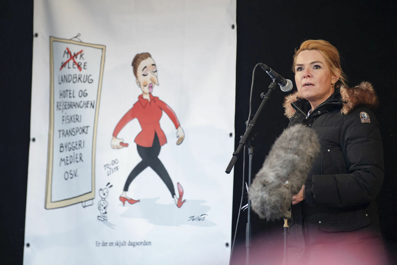 Inger Støjberg tordnede mod Mette Frederiksens 'magtarrogance'.