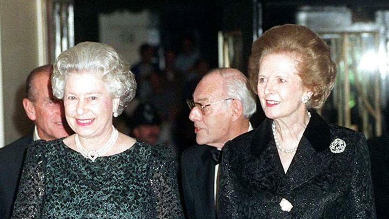 Dronning Elizabeth og Margaret Thatcher.