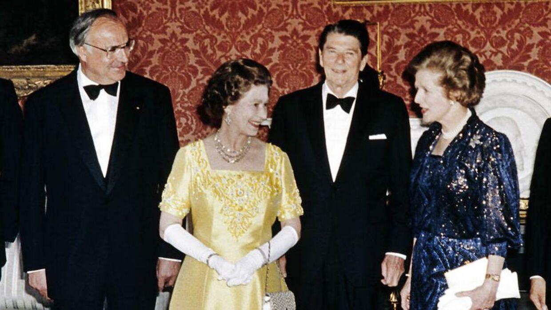 Dronning Elizabeth og Margaret Thatcher på Buckingham Palace i 1984.