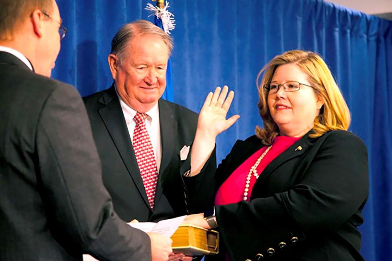 Emily Murphy (th), der er leder af General Services Administration (GSA),  anerkender Joe Biden som vinder af præsidentvalget i USA. Det betyder, at Joe Biden får adgang til offentlige midler til overgangsprocessen frem til indsættelsen 20. januar. (Arkivfoto) Gsa/Reuters