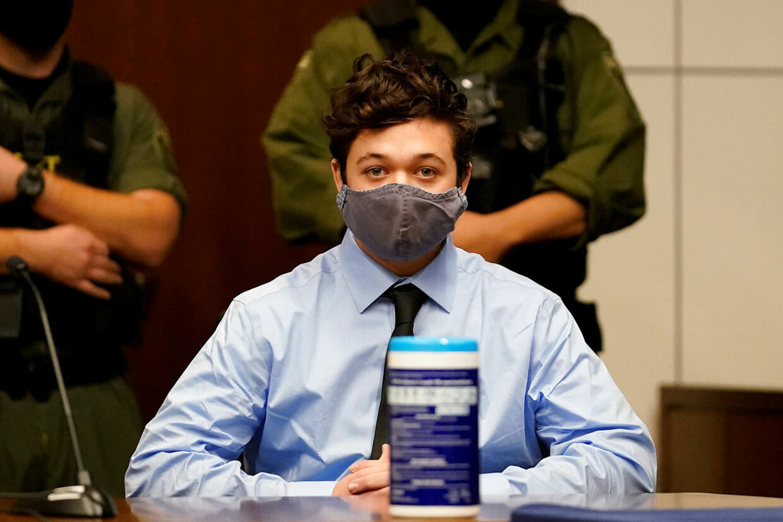 Kyle Rittenhouse i retten - anklaget for to mord.