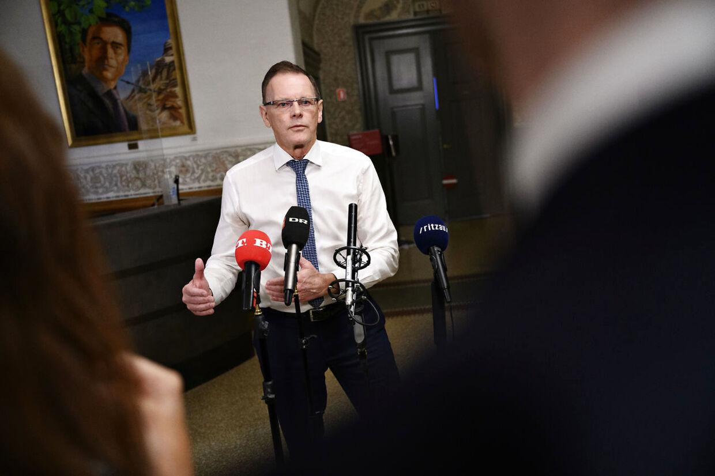 Erling Bonnesen (V) vil snakke med erhvervsminister Simon Kollerup (S) om nedlukning af fynsk julemarked. (Foto: Philip Davali/Ritzau Scanpix)