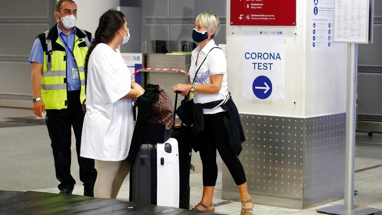 Rejsende skal flere steder i verden lade sig teste for covid-19, før de får lov at rejse ind i landet. Her er det i Tyskland.