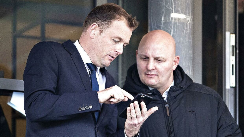 AGF's direktør, Jacob Nielsen (tv.), og Peter Christiansen (th.).