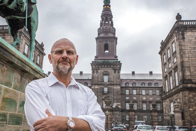 Portræt af politisk redaktør på B.T. Henrik Qvortrup ved Christiansborg Oktober 2020