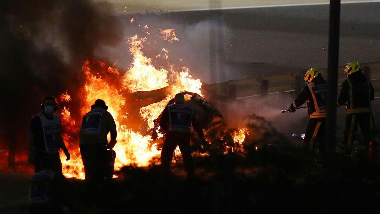 Flammerne var mange efter sammenstødet med autoværnet.