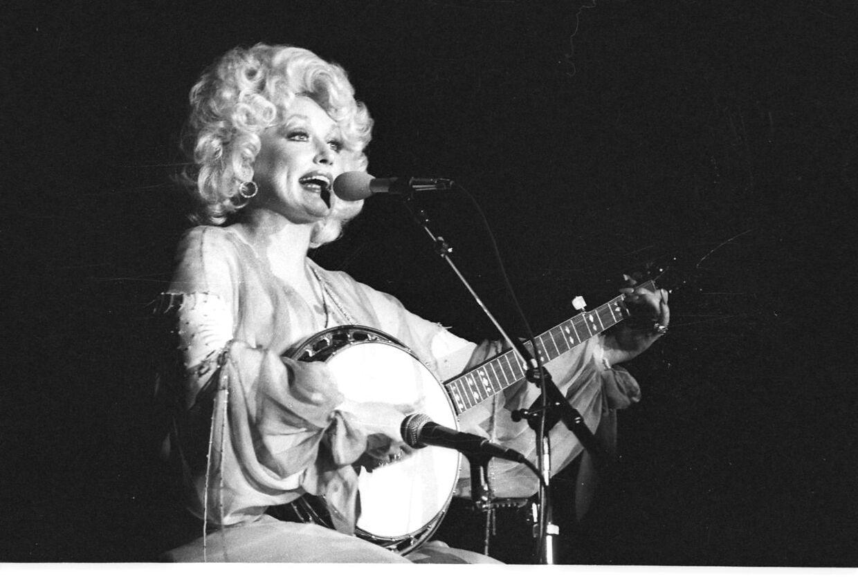 Dolly Parton er en af tidernes største Country-sangerinder.