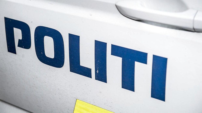 En 39-årig mand blev onsdag aften ramt af en varebil, da han luftede sine to hunde. (Arkivfoto)