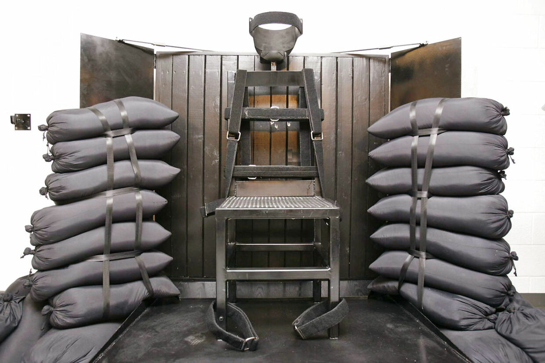 Nu kan man også blive skudt – som føderal dødsfange.