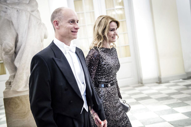 Stephen Kinnock og Helle Thorning-Schmidt har tilbragt mere tid sammen under corona end i deres 25 år som par. Her er de til Kronprinsens 50-års fødselsdag 26. maj 2018. Foto Thomas Lekfeldt.