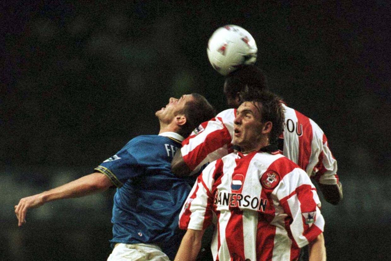 Claus Lundekvam (forrest) spillede i 12 sæsoner for Southampton. Efter karrieren ramte nedturen. (Arkivfoto). Jeff J Mitchell/Reuters