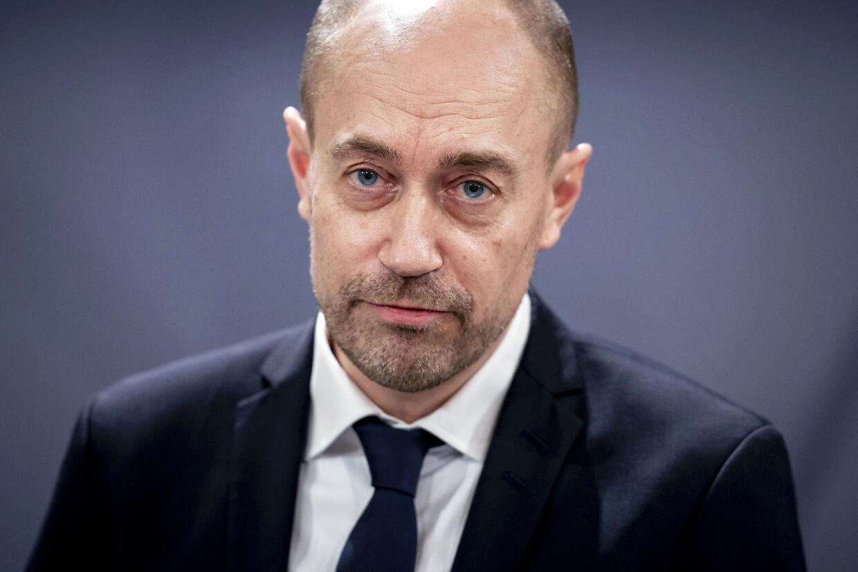 Sundhedsminister Magnus Heunicke kaldes nu i samråd af de borgerlige partier på Christiansborg. Han skal her redegøre for, hvorfor kræftpatienter har mærket konsekvenserne af læger og sygehuses fokus på coronavirus.