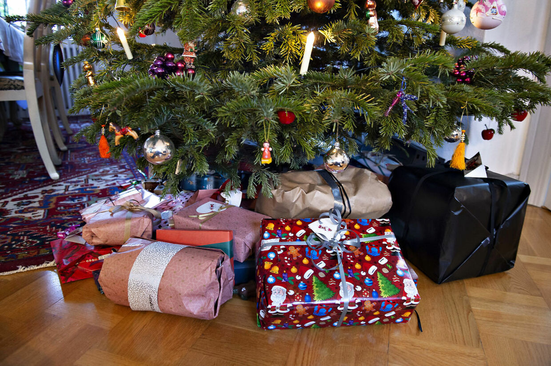 Kunder er utilfredse med Gavefabrikken A/S. Gaver er ikke nået frem inden juleaften.