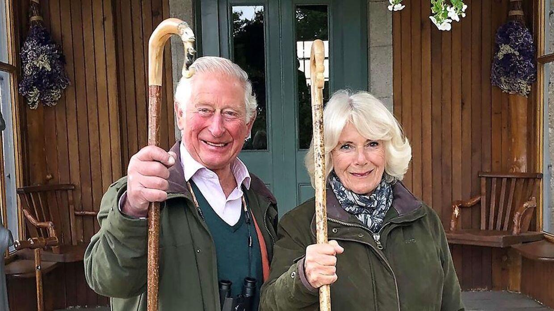 Tronfølgeren prins Charles og hans hustru hertiuginde Camilla var også med i videoklip, der blev vist under talen.
