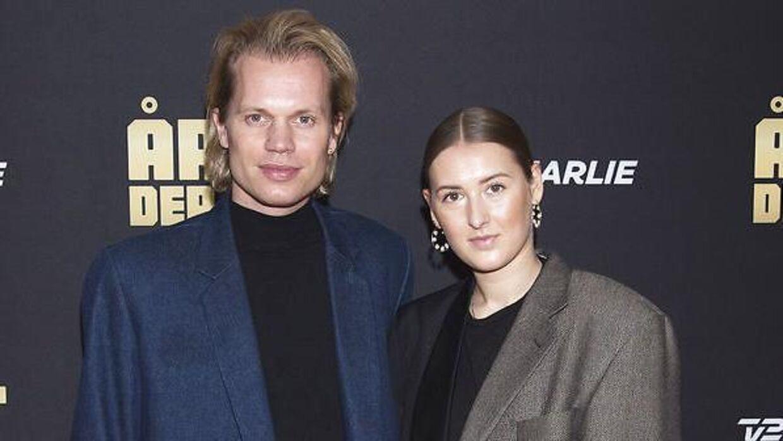 Søren Le Schmidt og Nikoline Skaarup er blevet forældre til tvillingedrenge.